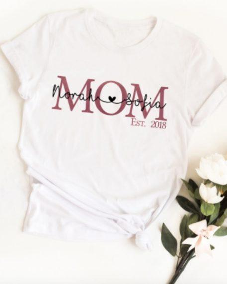 Mom t-shirt met de namen van je kinderen en jaartal mama shirt moeder