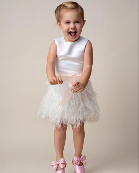 Fé ivoor zachtroze veertjes pluimpjes jurkje feestje feestkleding kind