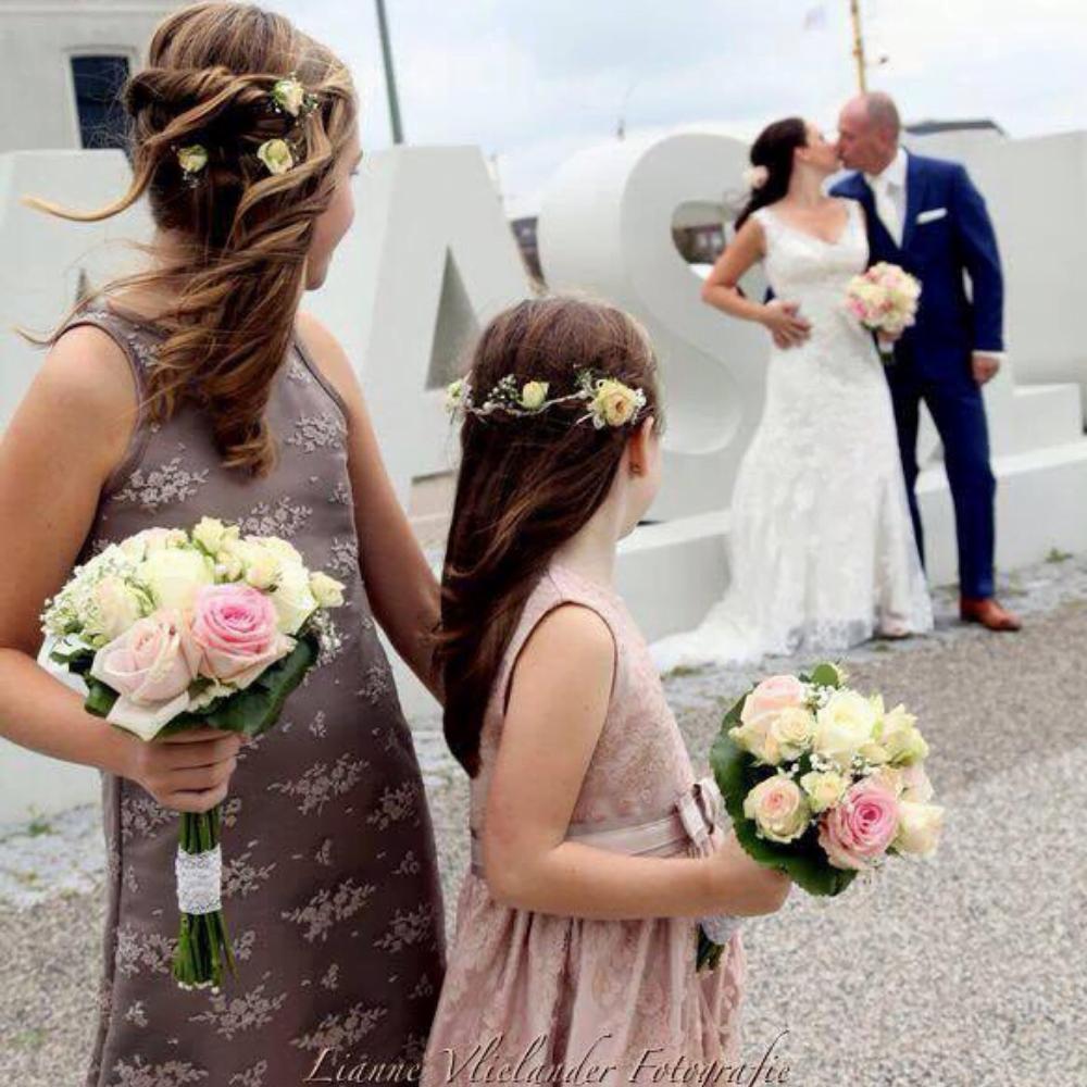 bruidsmeisjes jurkje tule jurk jurken kind meisje meisjes roze kinderen kant bruidsmeisjesjurkje jurk Mila Kinderbruidsjurkje verenjurk so cute! kinderbruidsmode meisje feestjurkje