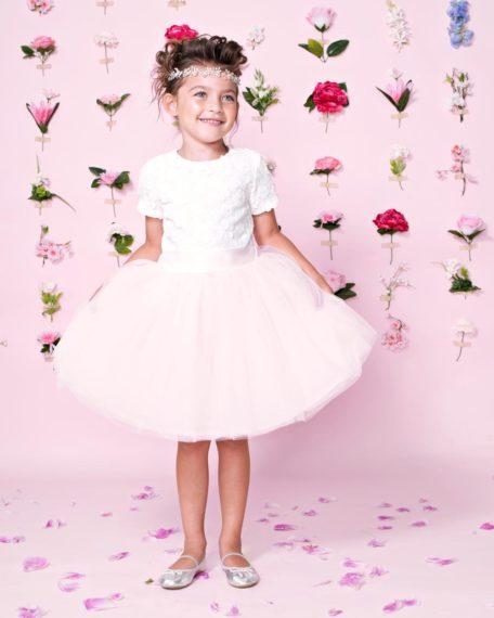 bruidsmeisjes jurkje tule champagne creme jurk jurken kind meisje meisjes ivoor gebroken wit off white roze lichtroze zachtroze kinderen bruidsmeisjesjurkje jurk Mila Kinderbruidsjurkje so cute! kinderbruidsmode meisje feestjurkje