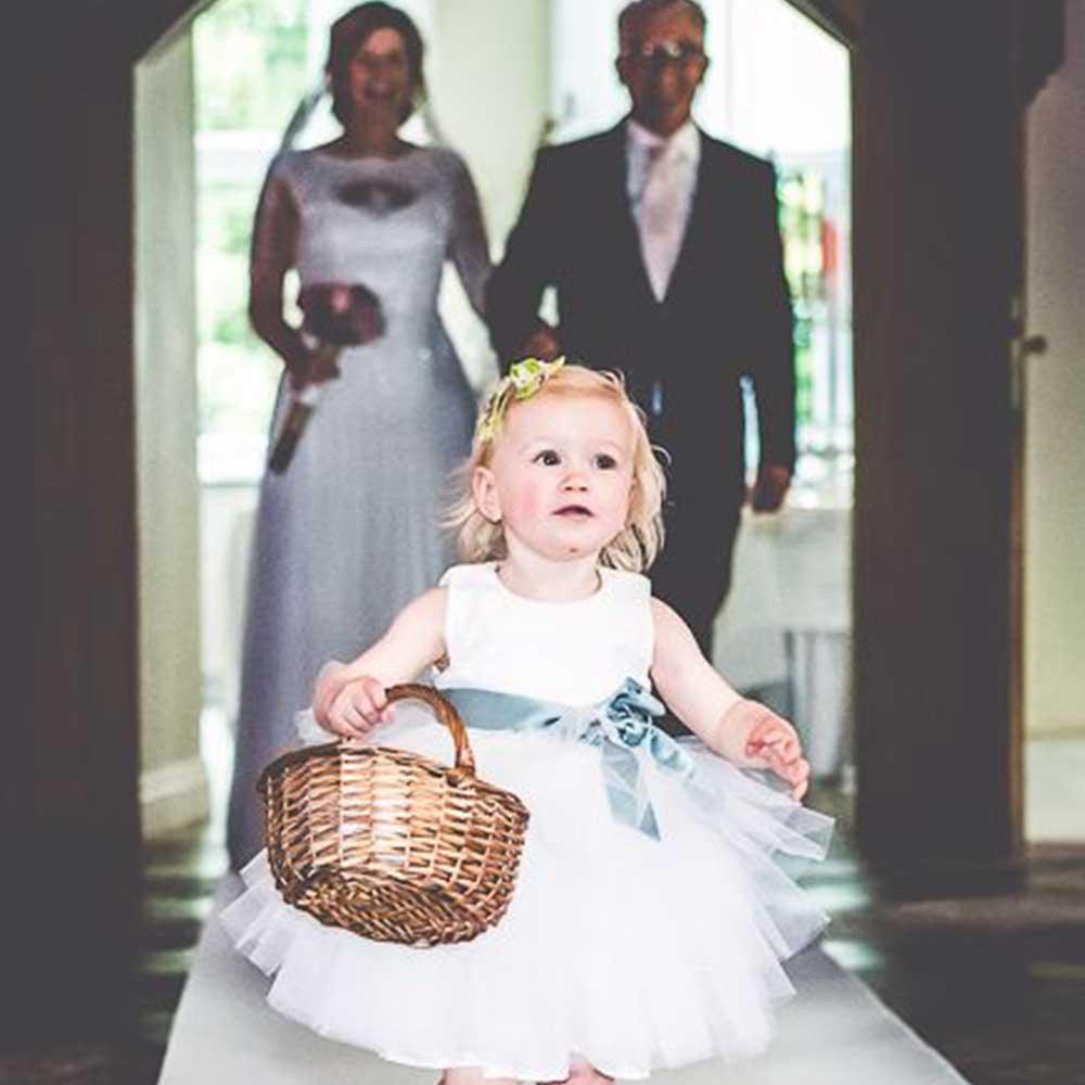 Bruidsmeisje jurkje van tule met donkergroene band