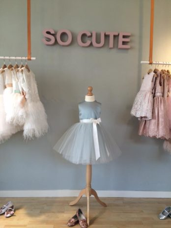 Winkel showroom bruidsmeisjes jurkjes feestkleding kinderen eindhoven den bosch noord-brabant limburg breda rotterdam utrecht amsterdam