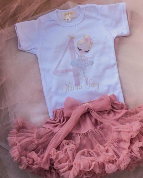 verjaardag T-shirt meisje met ballerina en oudroze tule rokje 1