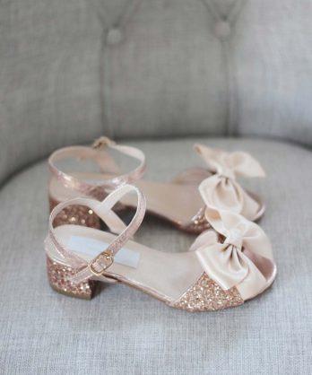 Glitter kinderschoenen met hakje en strik – Rosé goud