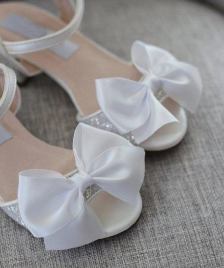 Witte feestelijke sandalen voor meisjes met glitters in wit