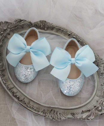 Lichtblauwe glitter schoenen voor meisjes met satijnen strik