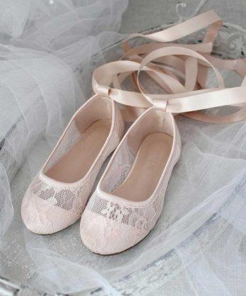 Ballerina's van kant met lint – Lichtroze