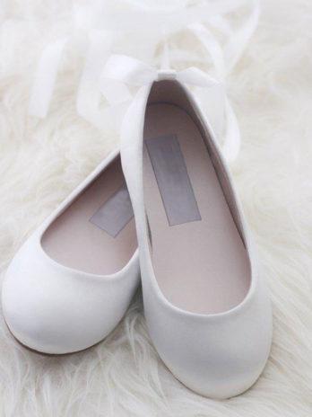 Schoenen voor meisjes van satijn met lang lint – Ivoor