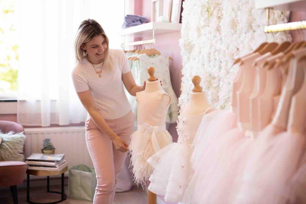 Winkel voor bruidsmeisjes jurkjes en communiekleedjes