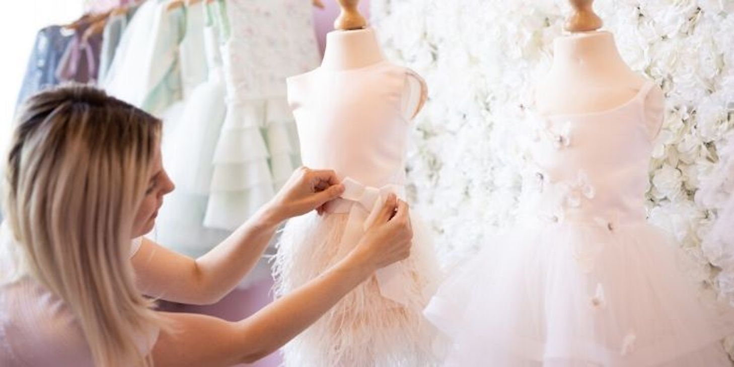 Winkel voor kinder bruidskleding en communiekleedjes