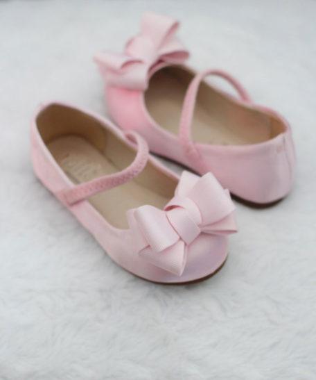 Roze feestelijke schoentjes voor meisjes van satijn met strik