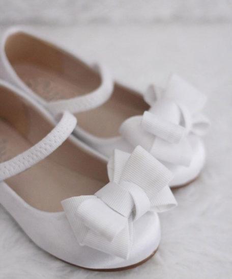 Communieschoenen van satijn in wit ivoor met strik online kopen