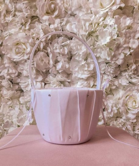 Bloemblaadjes mandje bruidskinderen wit ivoor strikken mand bruiloft