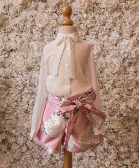 Roze short met bloemen kind meisje