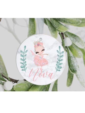 Kersthanger met naam – Ballerina Lili – Roze jurk