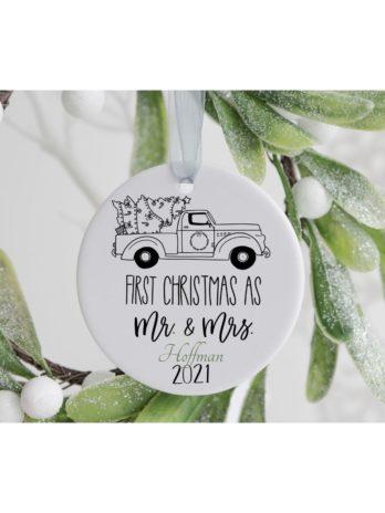 Kersthanger – First Christmas as Mr. & Mrs. met achternaam en auto